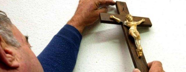 La croce dello scandalo