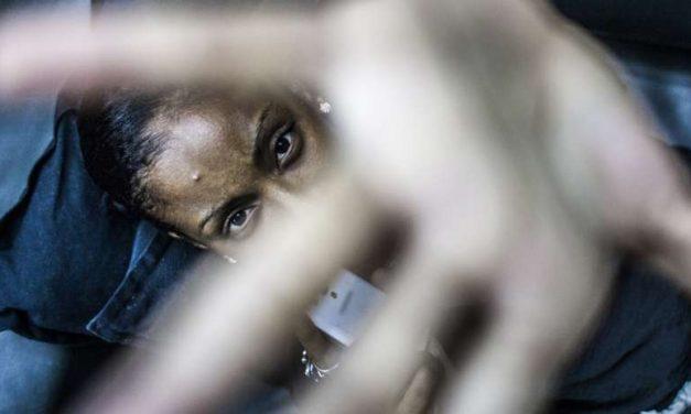 Parla don Aldo Buonaiuto: «Vi racconto il dramma della prostituzione e le donne salvate»